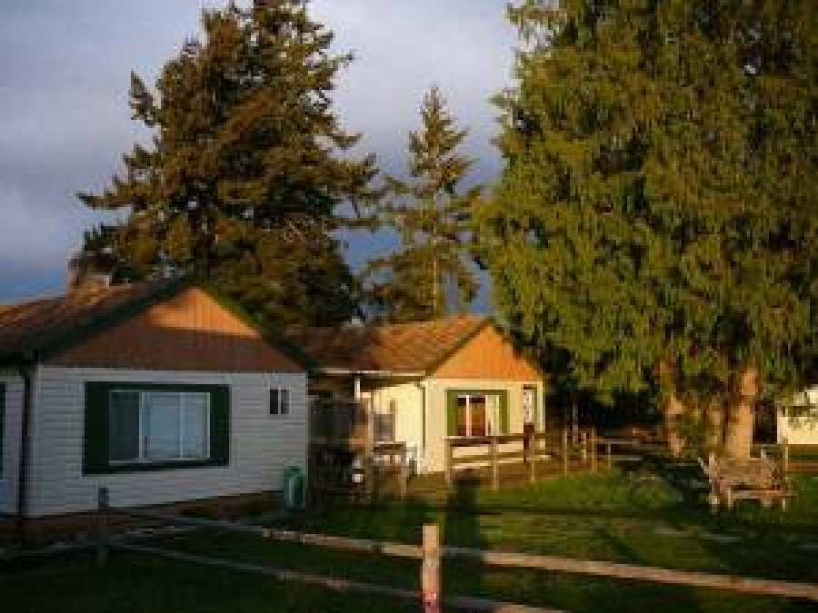 Vancouver island qualicum beach house or cottage